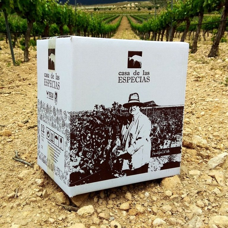 Box 6 bottles . Red Wine Orgánic 2018. Free Shipping only for European Union. For Spain - cardboard box. For EU countries - Plastic box.